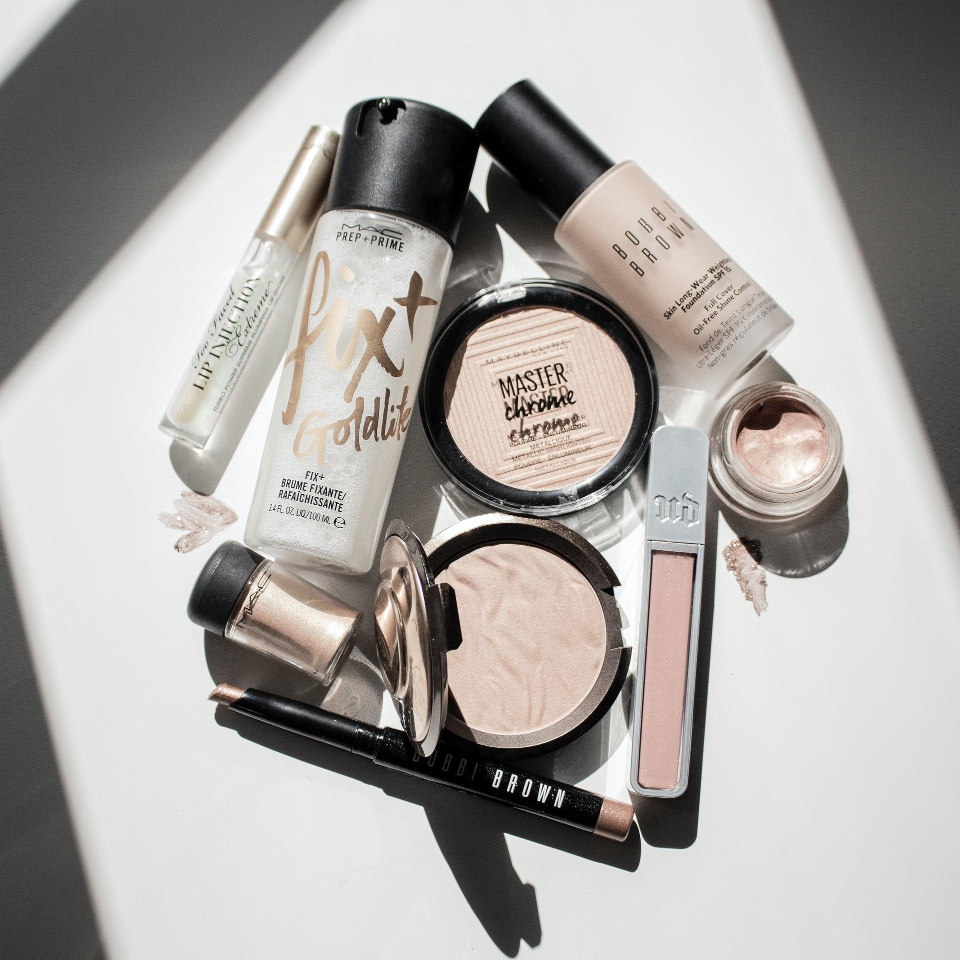 ¿Cuáles son las ventajas del fijador de maquillaje?